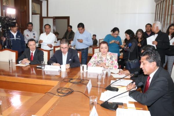 Comisión de Comunicaciones e infraestructura de la LX Legislatura se reunirá con los titulares de SIMT, CAPUFE, CCP, y el Centro SCT para revisar las condiciones de las carreteras