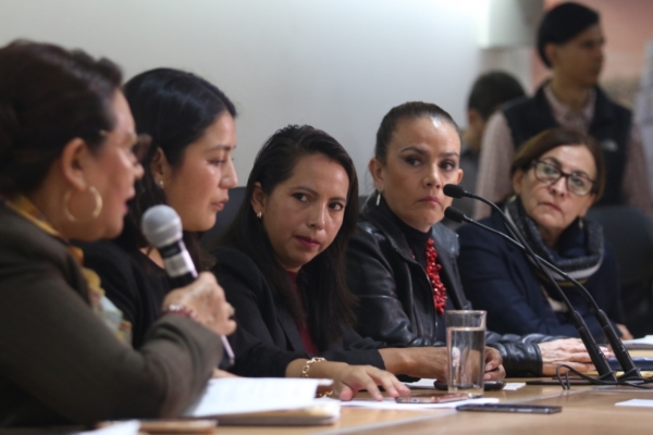 Regidora de Juan C Bonilla denuncia ante el Congreso violencia de género del edil